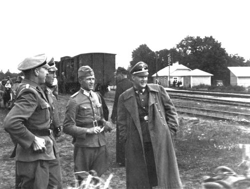 Inspection at Sobibor, probably in 1942. (private collection Jules Schelvis)
